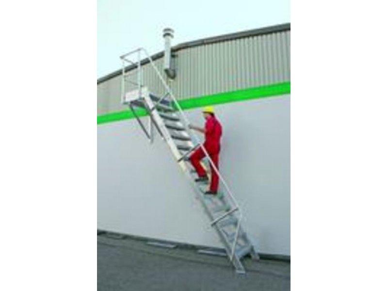 Senkrechte H/öhe 2,50 m Stufenbreite//Stufentiefe 600//240 mm Stufenanzahl 12 Aluminium-Treppe 45/°
